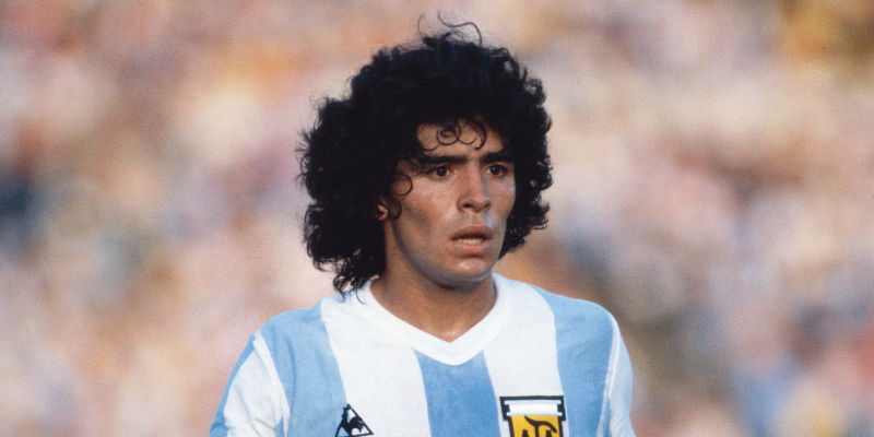 Último capítulo del drama entre Maradona y Konami