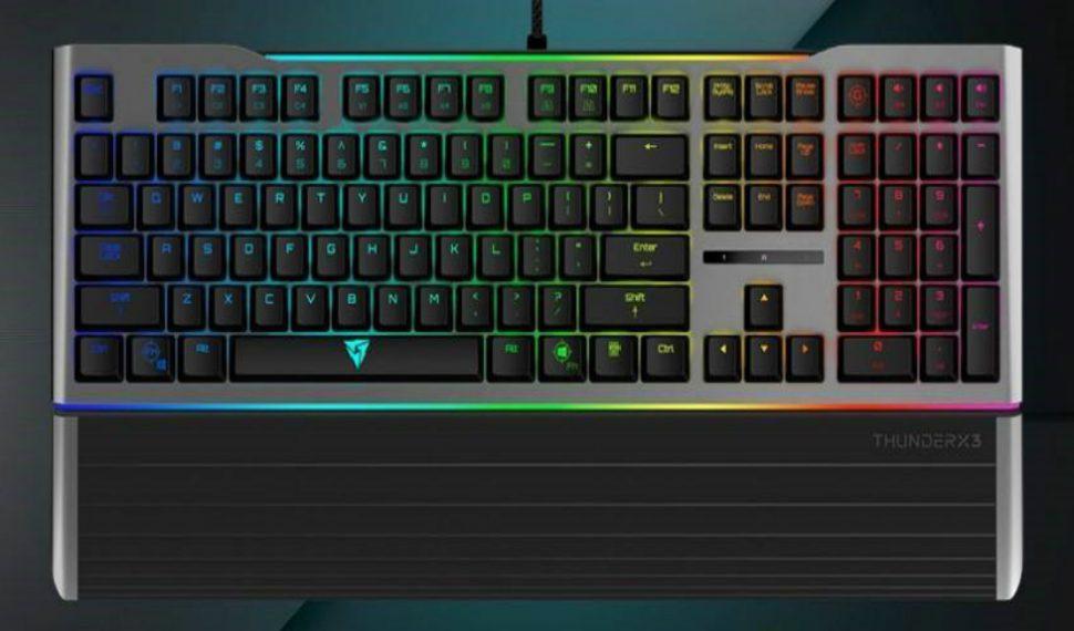 AK7: el nuevo teclado mecánico de ThunderX3