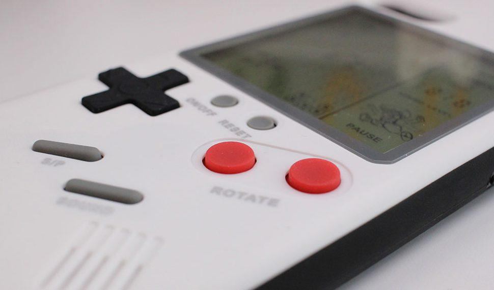 Nintendo podría convertir nuestro teléfono móvil en una Game Boy con esta funda