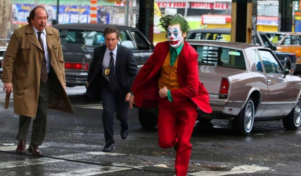Nuevas imágenes de Joaquin Phoenix como Joker escapando de la policía
