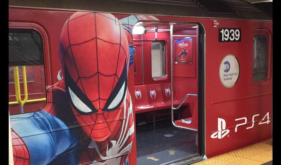 Marvel's Spider-Man: Sony lanza un bus a un lago en Italia para celebrar su lanzamiento
