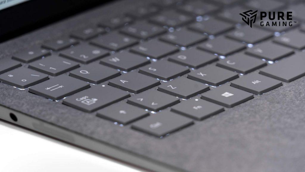 retroiluminacion surface laptop 2